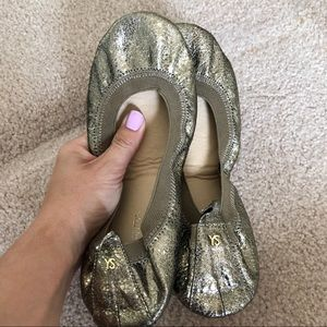 Yosi Samra size 7, gold travel ballet slippers NWT